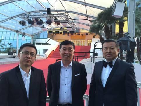 田永成与他的专家团队在戛纳红毯