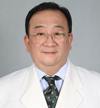中国医师协会美容与整形医师分会副会长曹孟君