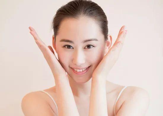 瘦脸不用整形 如何通过穴位按摩和健康饮食来瘦脸