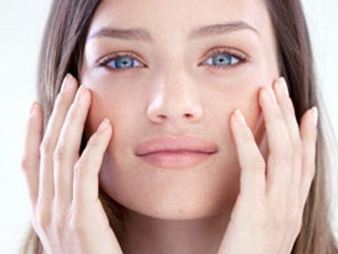 皮肤发红发热是皮肤过敏还是皮肤敏感
